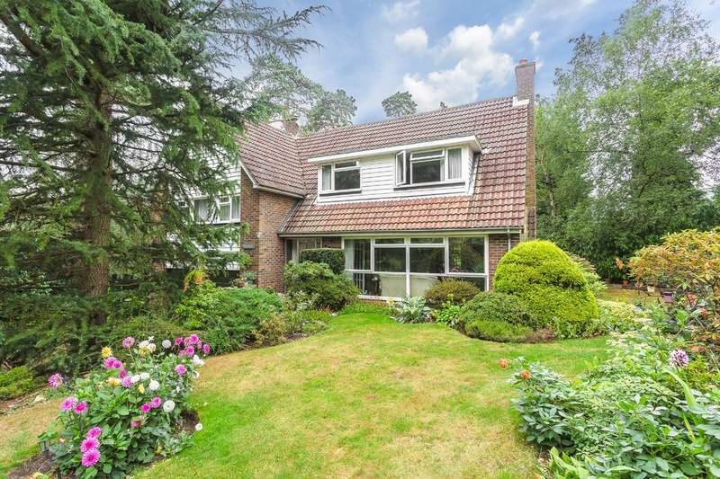 4 Bedrooms Detached House for sale in Shirley Hills, Croydon