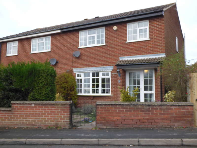 3 Bedrooms Semi Detached House for sale in Melbourne Road, Ibstock