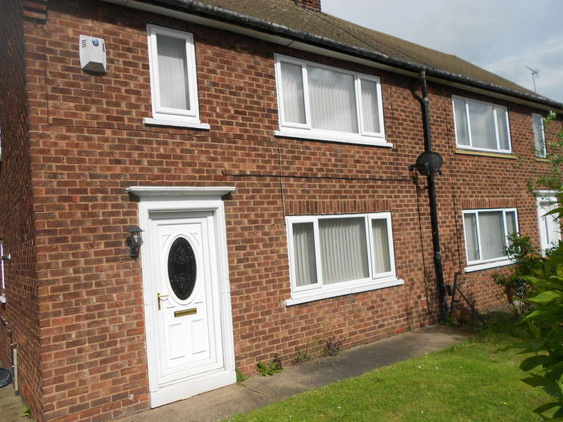 3 Bedrooms Semi Detached House for sale in Lindrick Close, Carlton In Lindrick