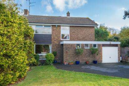 5 Bedrooms Detached House for sale in Starling Lane, Cuffley, Potters Bar, Hertfordshire