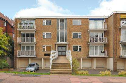 2 Bedrooms Flat for sale in Caton Court, 4 Beckenham Grove, Bromley