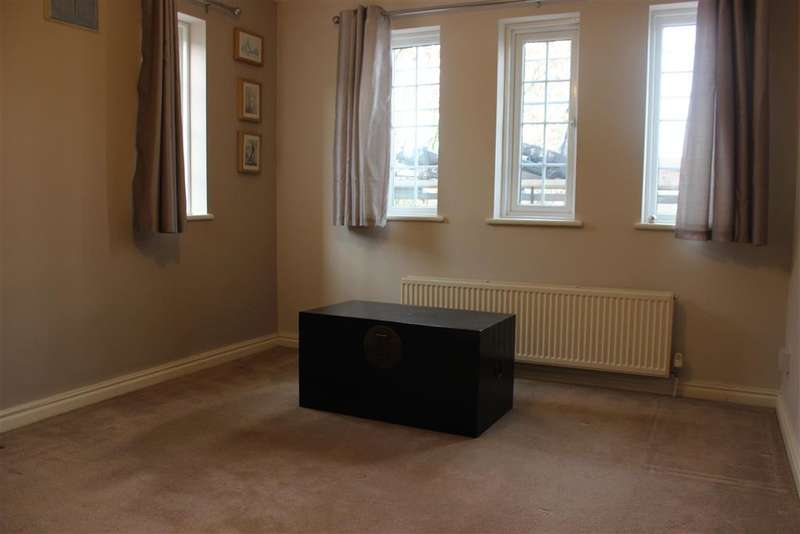 1 Bedroom Flat for sale in Churchfields, South Woodford, London