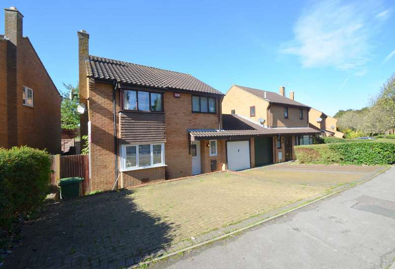 4 Bedrooms Link Detached House for sale in Oldbrook