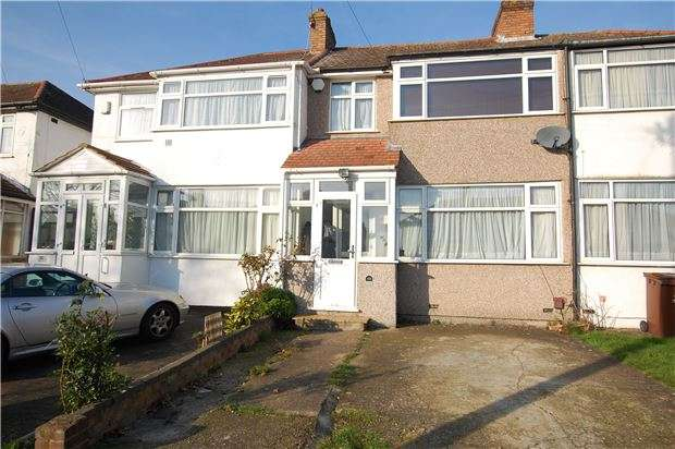 3 Bedrooms Terraced House for sale in Raeburn Road, EDGWARE, Middlesex, HA8 5TP