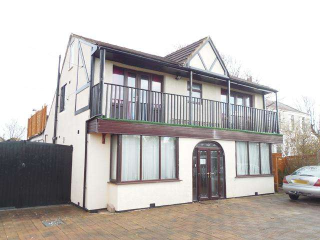 4 Bedrooms Detached House for sale in Fleetwood Road South, Thornton Cleveleys, Lancashire, FY5 5EA