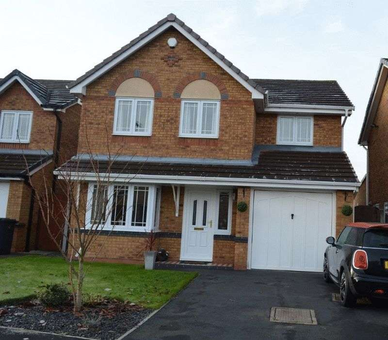 4 Bedrooms Detached House for sale in Lapwing Close, Lowton, WA3 2GU
