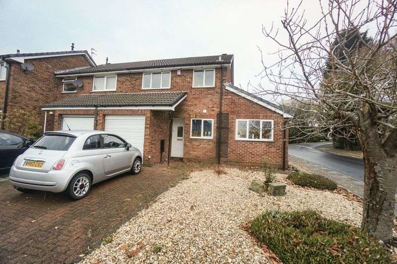 3 Bedrooms Semi Detached House for sale in Melbury Drive, Lostock