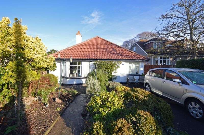 3 Bedrooms Detached Bungalow for sale in Robin Lane, Clevedon