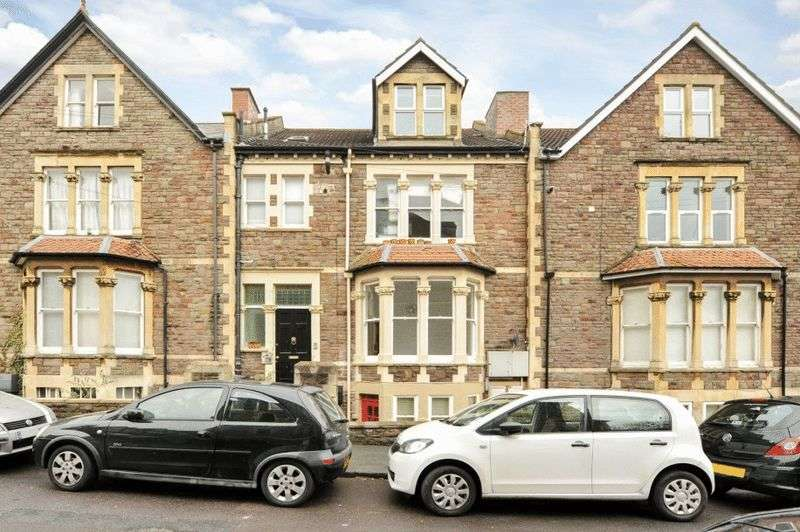 2 Bedrooms Flat for sale in Manor Park, Redland