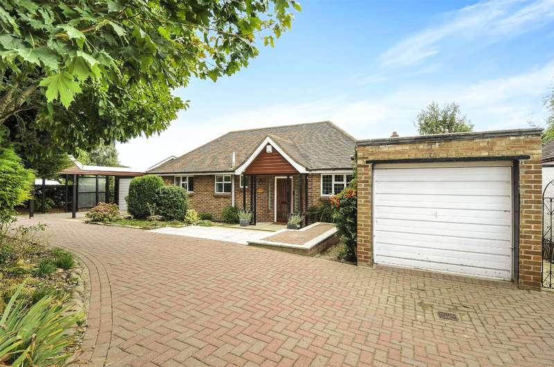 3 Bedrooms Bungalow for sale in Beacon Way, Rickmansworth, Hertfordshire, WD3