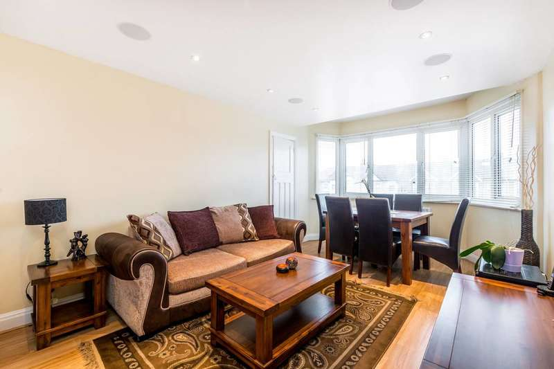 2 Bedrooms Flat for sale in London Road, Isleworth, TW7