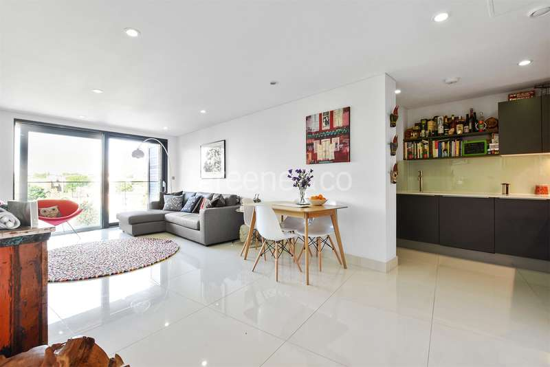 2 Bedrooms Flat for sale in Prince Of Wales Road, Kentish Town, London, NW5