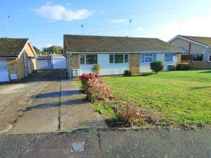 2 Bedrooms Bungalow for sale in Harwich, Essex