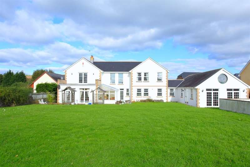 5 Bedrooms Detached House for sale in Mill Lane, Castleton, Cardiff