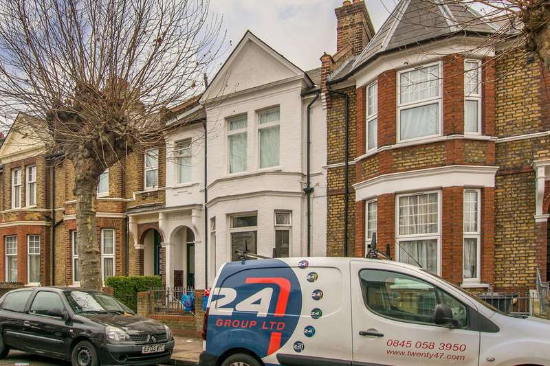 2 Bedrooms Maisonette Flat for sale in Kyverdale Road, Stamford Hill, N16