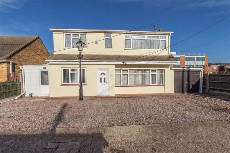 5 Bedrooms Detached House for sale in Stanford Road, Canvey Island, SS8