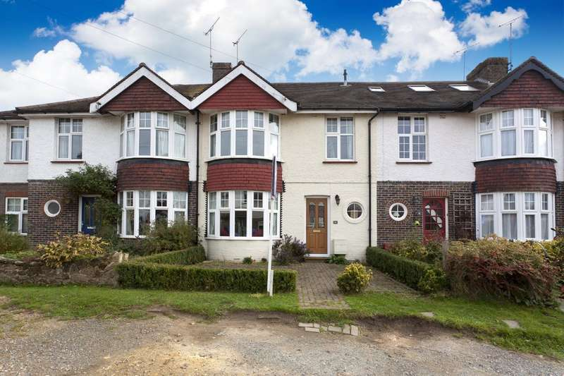 3 Bedrooms Terraced House for sale in Chesworth Crescent, Horsham