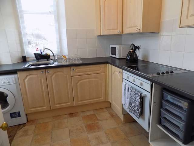 3 Bedrooms Maisonette Flat for sale in Lucius Street, Torquay