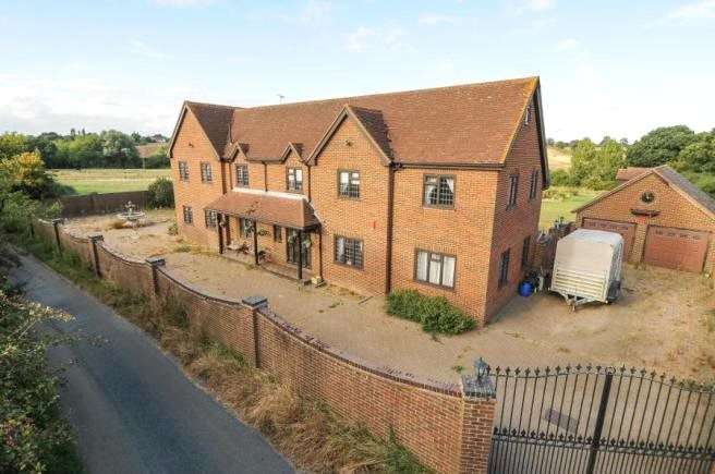 5 Bedrooms Detached House for sale in Mutton Row, Stanford Rivers, Ongar, Essex, CM5
