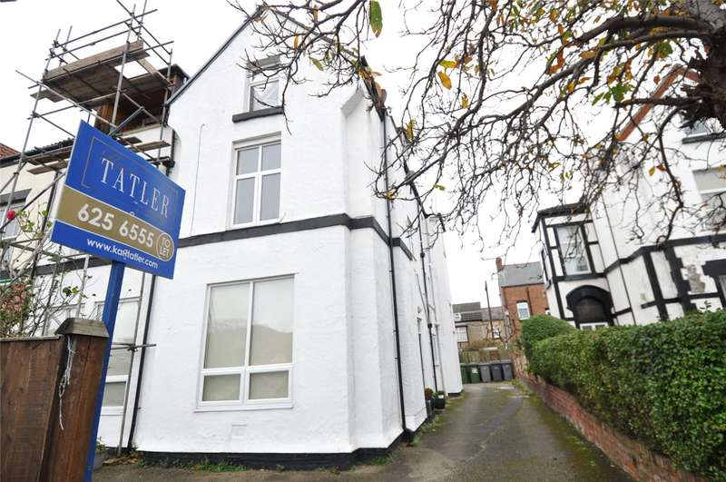 2 Bedrooms Flat for rent in Banks Road, West Kirby, Wirral
