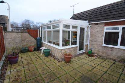 1 Bedroom Bungalow for sale in Pitsea, Basildon, Essex