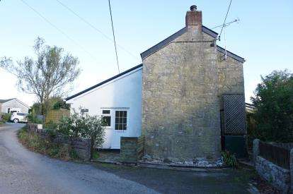 2 Bedrooms Semi Detached House for sale in Luxulyan, Bodmin, Cornwall