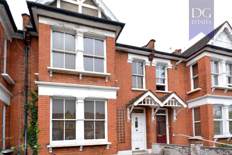 4 Bedrooms Terraced House for sale in Warwick Road, Bounds Green