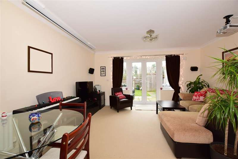 2 Bedrooms Terraced House for sale in Oxford Gardens, Maidstone, Kent