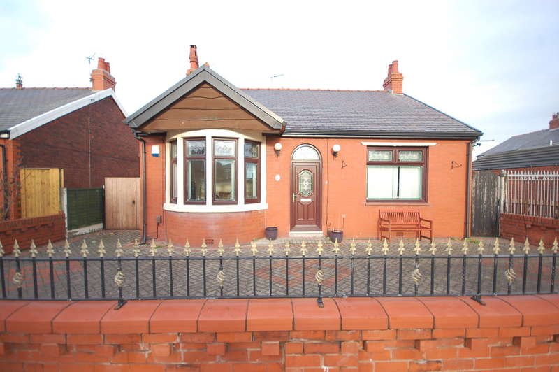3 Bedrooms Detached Bungalow for sale in Selby Avenue, Blackpool