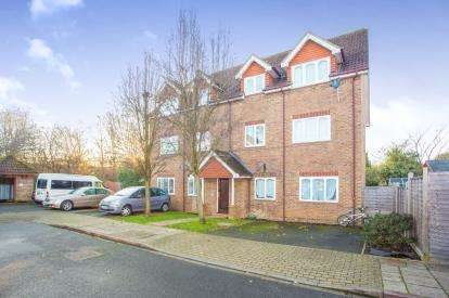 1 Bedroom Flat for sale in Cherry Gardens, Northolt, Middlesex, England