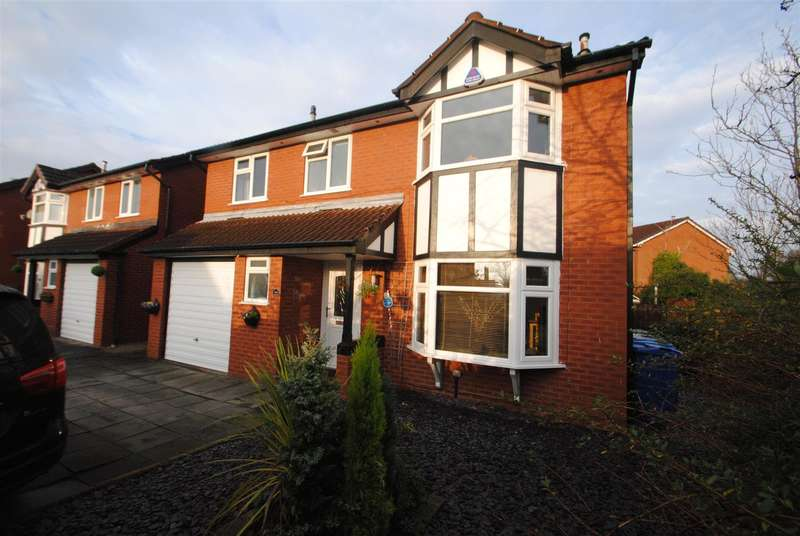 4 Bedrooms Property for sale in Woolmer Close, Birchwood, Warrington