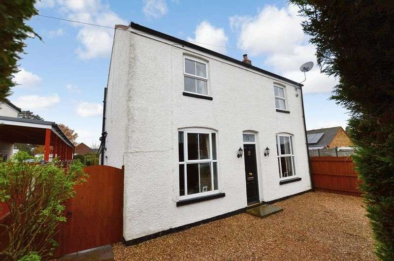 3 Bedrooms Detached House for sale in 15 Alexandra Road, Woodhall Spa
