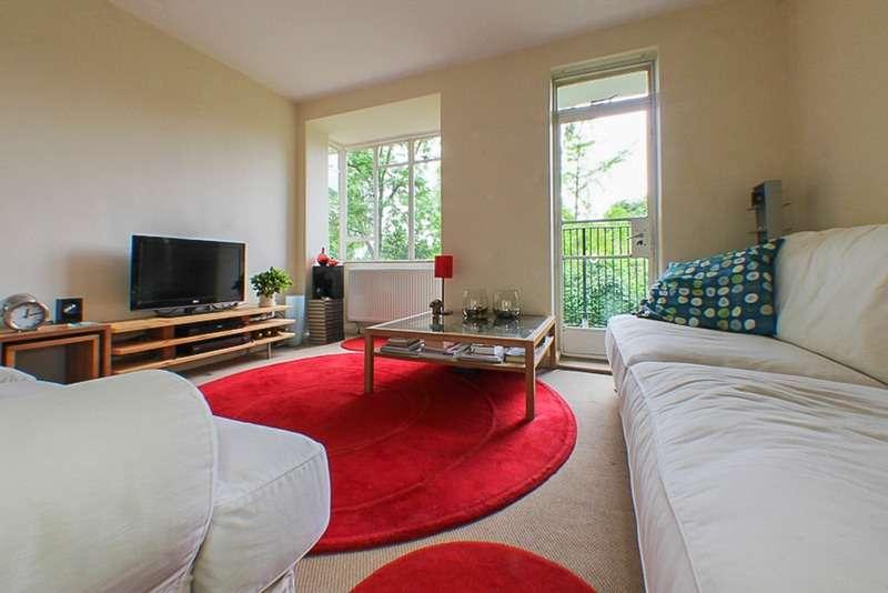 3 Bedrooms Flat for sale in Lewisham Hill, London, London, SE13