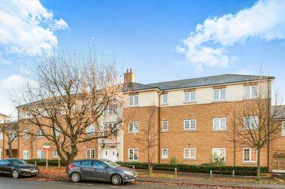 2 Bedrooms Flat for sale in Chelmsford, Essex