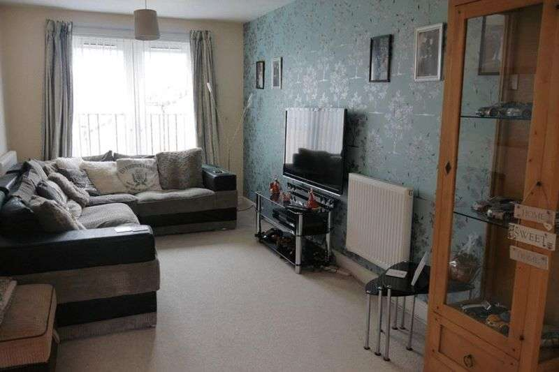 3 Bedrooms Terraced House for sale in Beech Tree Close, Keighley