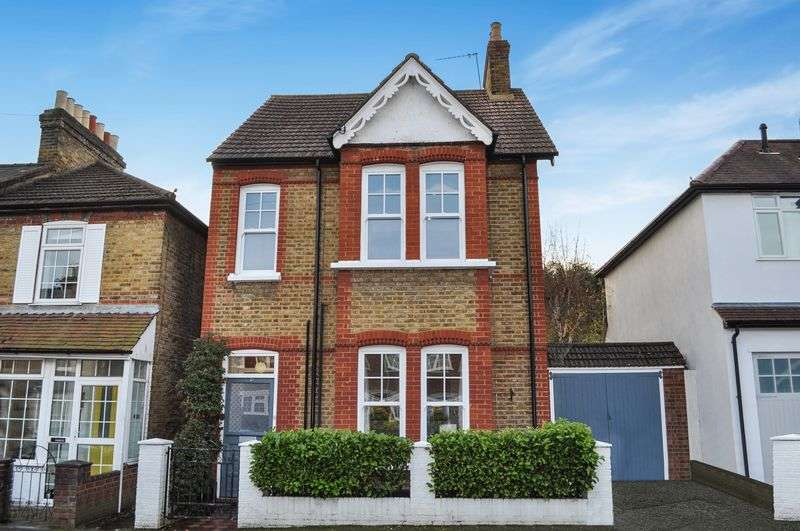 4 Bedrooms Detached House for sale in Sunnyside Road, Teddington