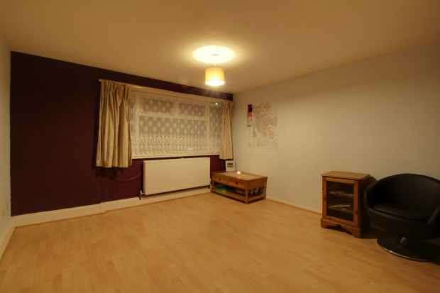 1 Bedroom Apartment Flat for sale in Moss Lane, Liverpool, Merseyside, L9 8EH