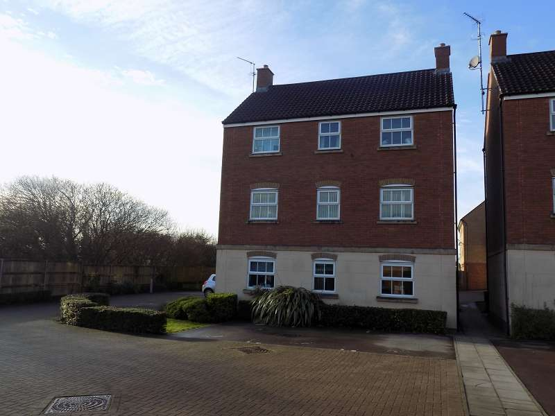 2 Bedrooms Flat for sale in Longacres , Brackla, Bridgend. CF31 2DJ