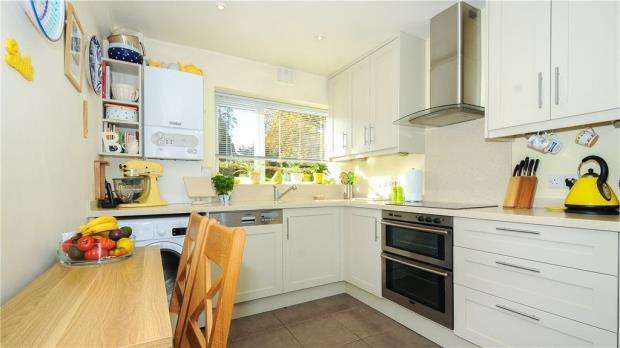 2 Bedrooms Apartment Flat for sale in Nell Gwynne Avenue, Sunninghill, Berkshire