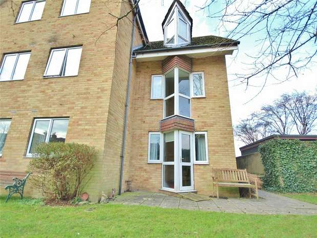1 Bedroom Flat for sale in Sunnyhill Road, Parkstone, POOLE, Dorset