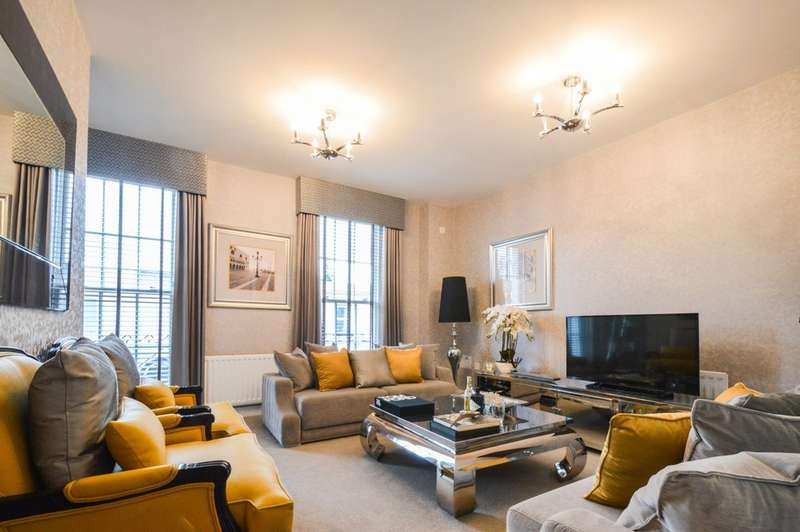 4 Bedrooms Town House for sale in Regency Place, Cheltenham, GL52 2RN