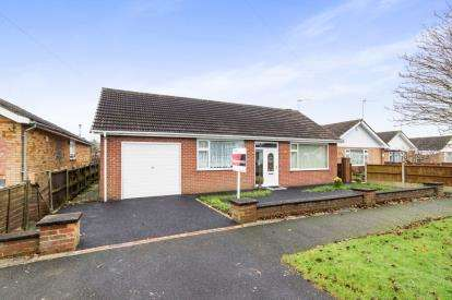 3 Bedrooms Bungalow for sale in Montgomery Road, Skegness