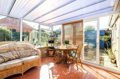 3 Bedrooms Bungalow for sale in Beccles, Suffolk, .