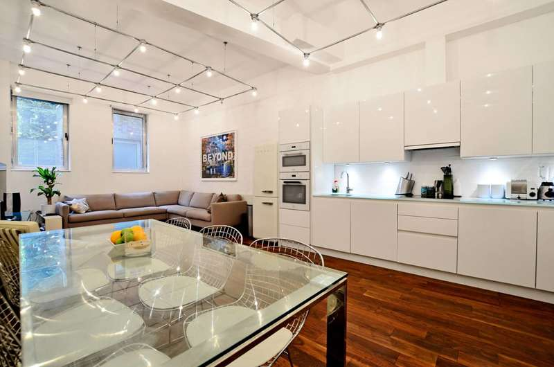 2 Bedrooms Terraced House for sale in Orsman Road, Hoxton, N1