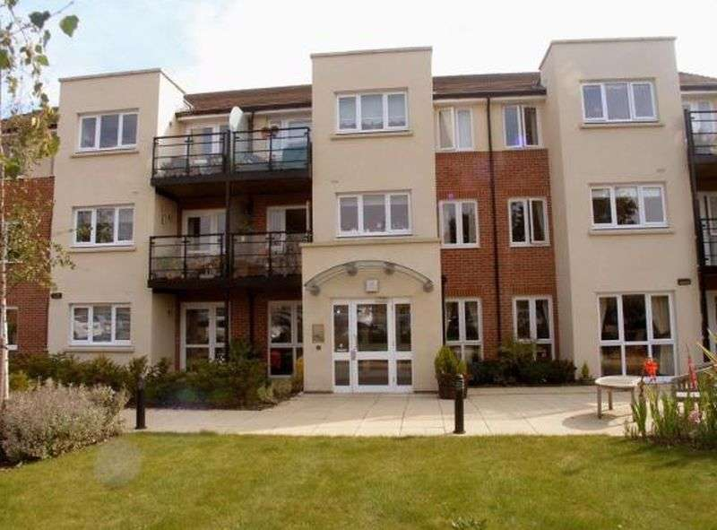 1 Bedroom Flat for sale in Waggoners Court,Legions Way, Bishops Stortford: NO CHAIN one bed ground floor retirement apartment