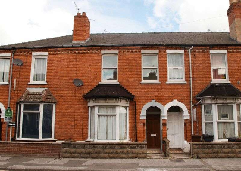 3 Bedrooms Terraced House for sale in Dixon Street, Lincoln. LN5 8AG