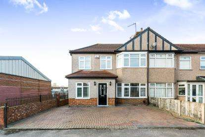 4 Bedrooms End Of Terrace House for sale in Collier Row, Romford, Essex