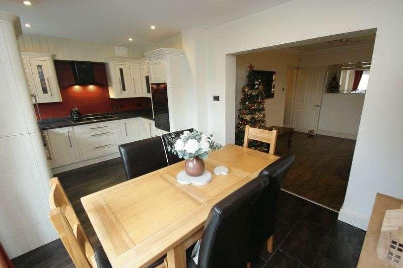 4 Bedrooms Terraced House for sale in Dorset Avenue, Romford