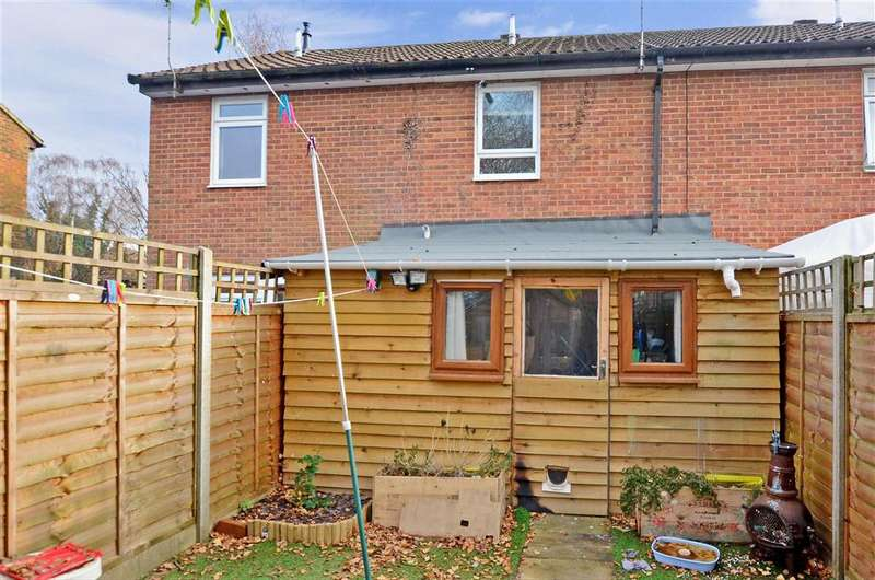 2 Bedrooms Terraced House for sale in Elm Grove, Horsham, West Sussex