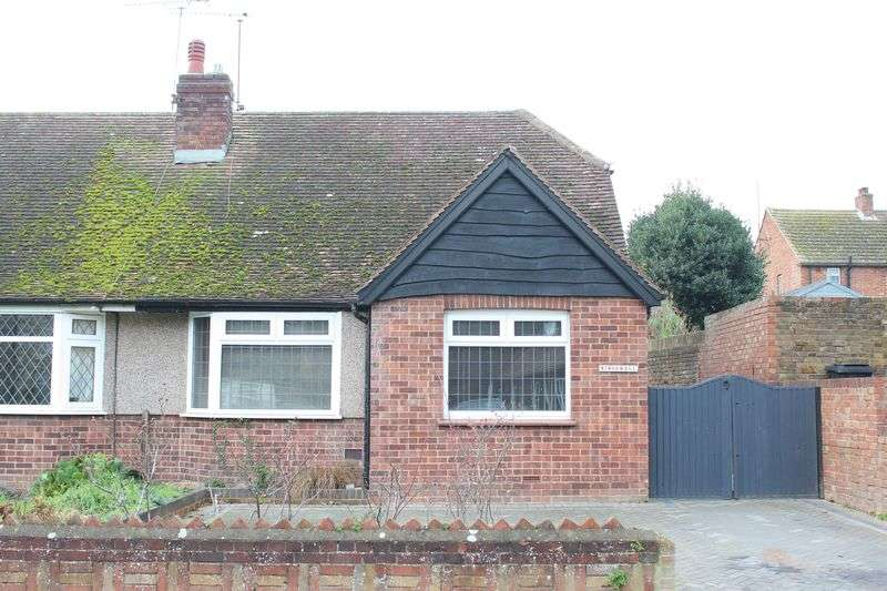 3 Bedrooms Semi Detached Bungalow for sale in Minster